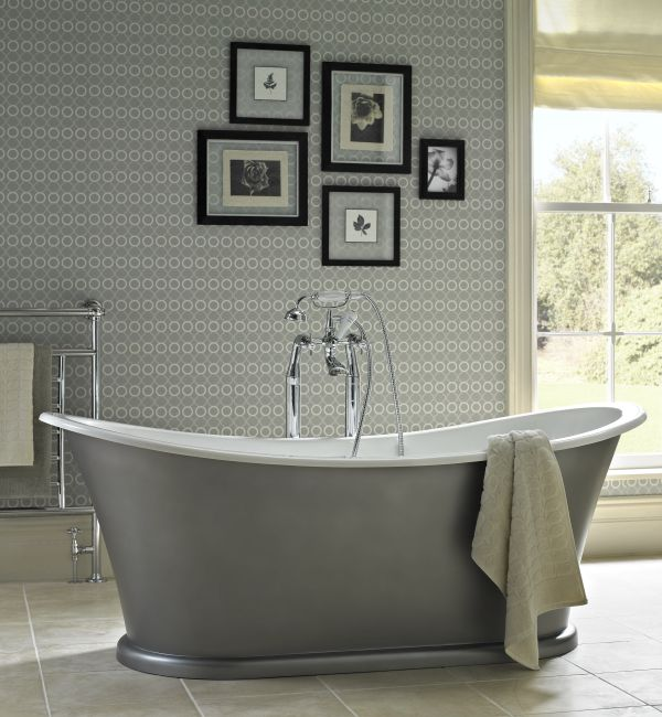 Landmark freestanding bath - Luxury - Bathroom - Green - Classic - Stylish - Relax http://www.bathstore.com/products/landmark-bath-2718.html