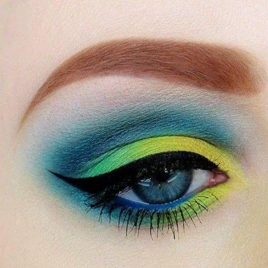 Trucco occhi giallo verde e blu
