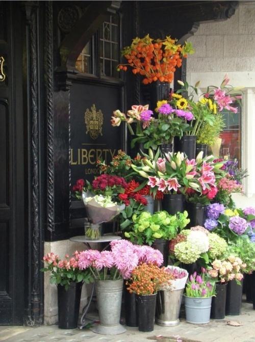 Best 25 Flower Stands Ideas On Pinterest Farm Stand