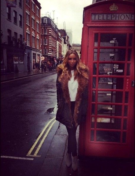 Lauren Pope Is Clasic Londres