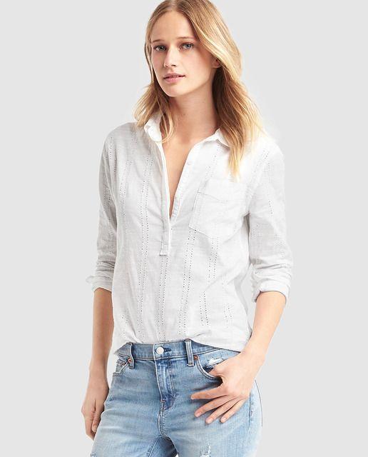 f4f547d61f Blusa de mujer Gap blanca con troquelado