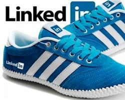20 creativos ejemplos de calzados deportivos para fans de las marcas: Creativos Ejemplos, Calzados Deportivos, De Calzados, Marks, Deportivos Para, Of The, 20 Creativos, Para Fans, Kindness Shoes