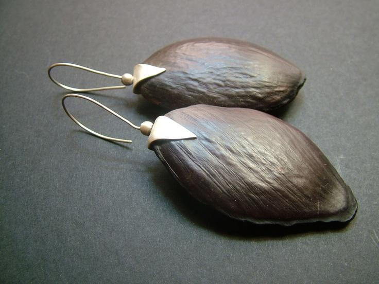 akpake bean earring sterling silver socket