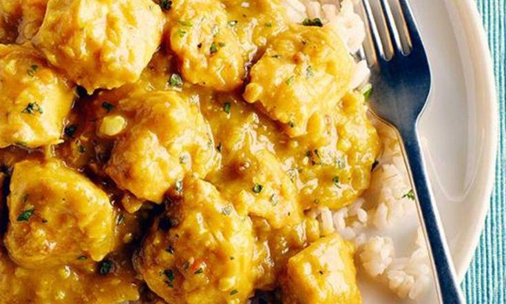 La cuisson lente est le secret de ce cari aromatique imprégné de curcuma moulu, du garam masala et de la sauce de poisson. Les plats birmans ne sont plus techniquement birmans, car la Birmanie a changé son nom pour devenir le Myanmar.