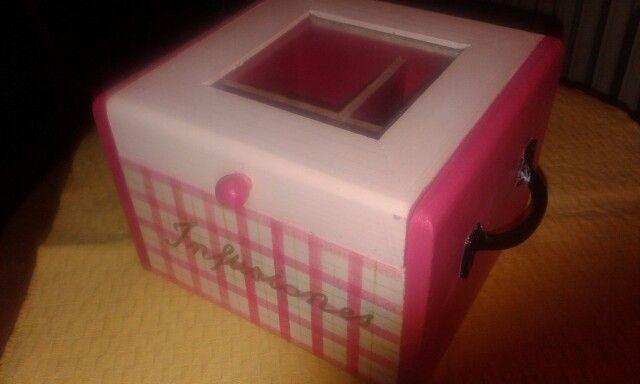 Caja de infusiones pintada a mano