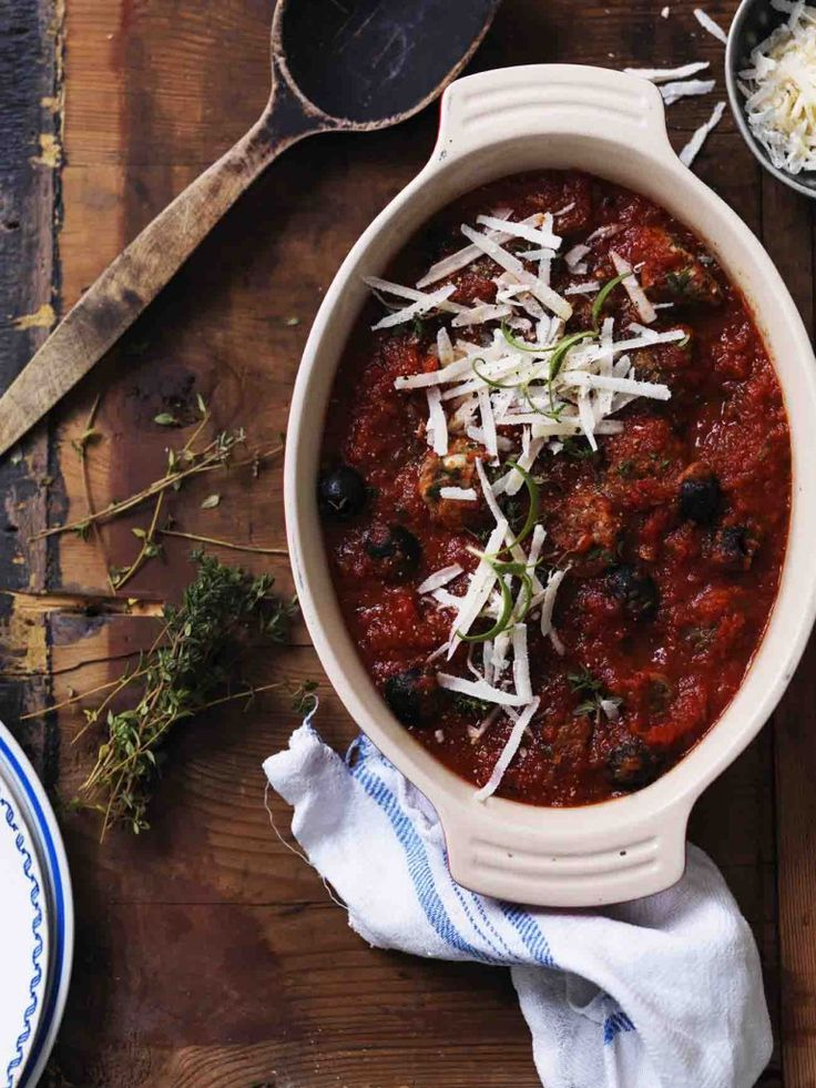 Lækre kødboller i tomatsauce