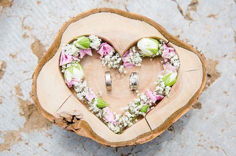 Ringschale aus Holz für die Hochzeit