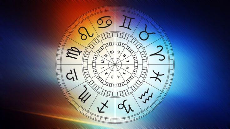 Valamennyi csillagjegynek létezik egy szebbik és egy kevésbé előnyös arca. Általában a hangulattól, az aktuális élethelyzettől függ, hogy épp melyiket használják. Hogy milyen arcokat viselnek a csillagjegyek? A horoszkópokból ezt is ki tudod olvasni. És te melyik arcodat mutatod meg gyakrabban?