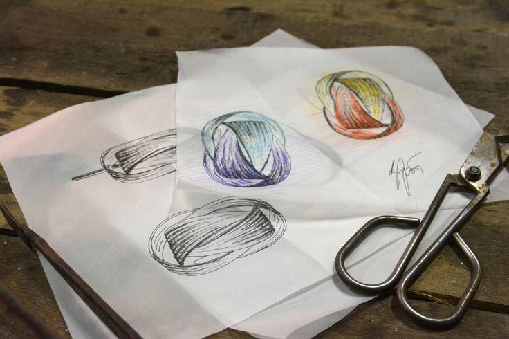 A hand-sketch of a hand-blown glass pendant requiring extraordinary skill and the utmost precision of the glass-maker. The charming Babel light fixture by @jirikrisica is attractive as a small or large cluster or a couple of solitary pendants.