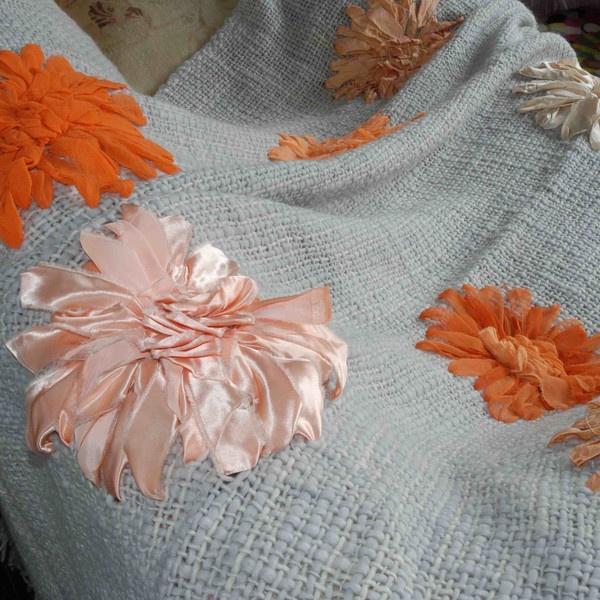 Karen Nicol Merino Wool Dahlia Throw
