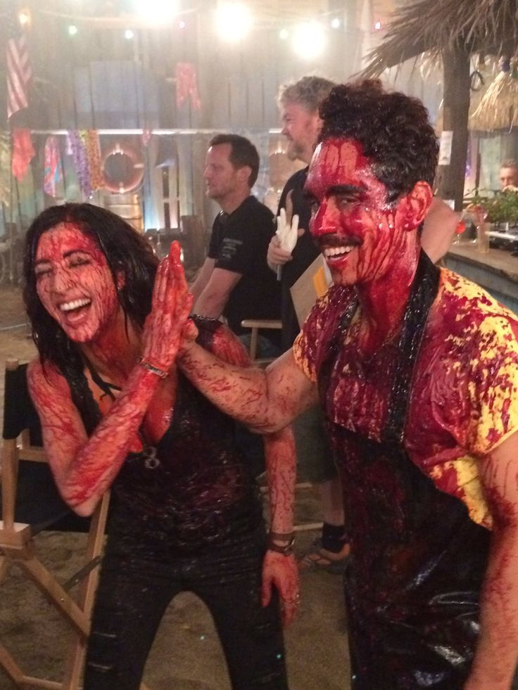 Dana DeLorenzo and Ray Santiago behind the scenes Ash vs Evil Dead 2.01