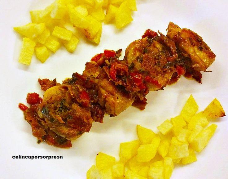 Tras las recetas depollo a la riojana,jamoncitos de pollo a la sidrao cuartos de pollo al horno, hoy os enseñamos otra receta con pollo:pollo al chilindrón,todo un clásico de la cocina aragone…