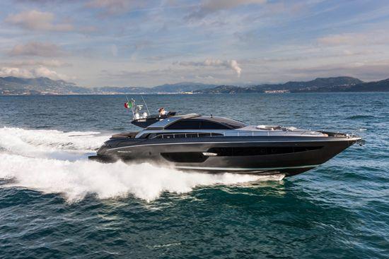 Ferretti presenta su 88´Domino Super coupe Monte Carlo será la ciudad sede para que los ojos de los amantes a los navíos de lujo sean testigos del nuevo yate deportivo de la marca italiana. http://www.podiomx.com/2015/05/ferretti-presenta-su-88domino-super-cupe.html