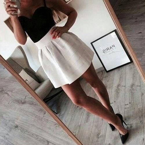 Leuk wit rokje, zwarte schoenen en rokje <3