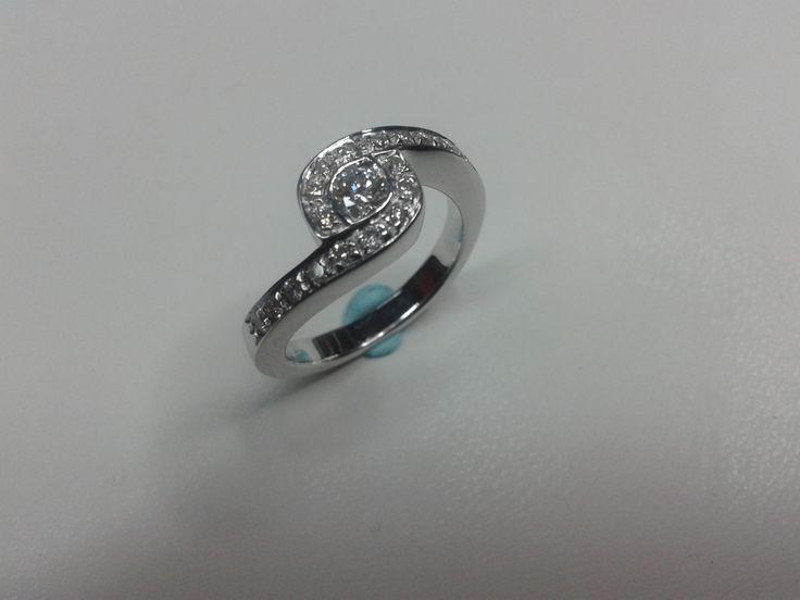 #18kt #whitegold #diamonds #ring #handmade by #paolobrunicardi #orafo #goldsmith #jewelrymaker #artist #marinadicarrara #tuscany #italy #brunicardipreziosi #projectgoldsmith #custom #jewelry #madebyhand #pickoftheday #jewelrymaking #metalsmith #italianjob #italiansdoitbetter