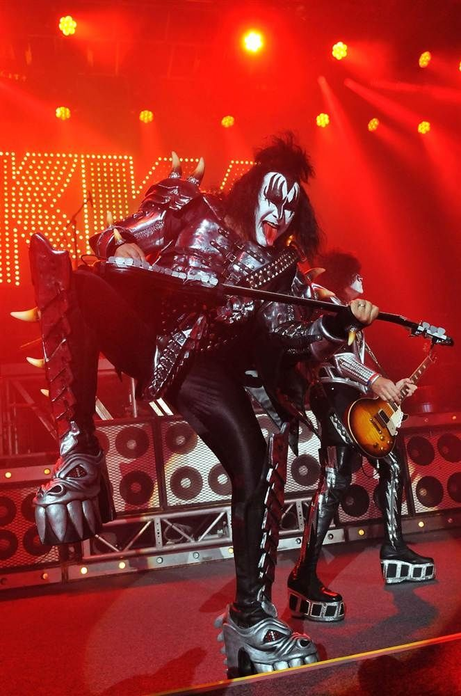 gene simmons - 7 World-renowned Rock/Pop Stars from Middle Eastern descents