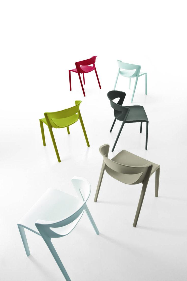Disegnare un locale con le sedie da bar.  #sedie #designecolori  https://www.homify.it/librodelleidee/156875/disegnare-un-locale-con-le-sedie-da-bar