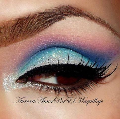 Blue glitter #vibrant #glitter #bright #bold #eye #makeup #eyes
