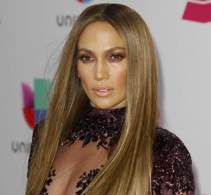 Sängerin und Schauspielerin Jennifer Lopez hat eine einstweilige Verfügung gegen ihren Stalker erwirken können.