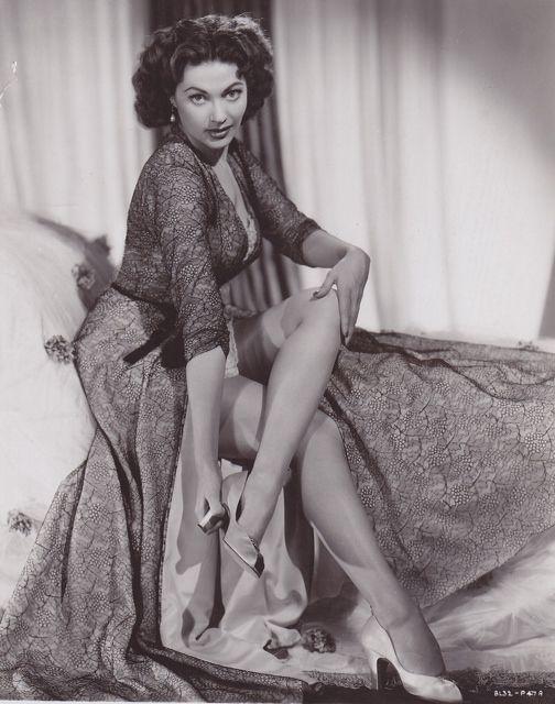 Yvonne De Carlo, 1953