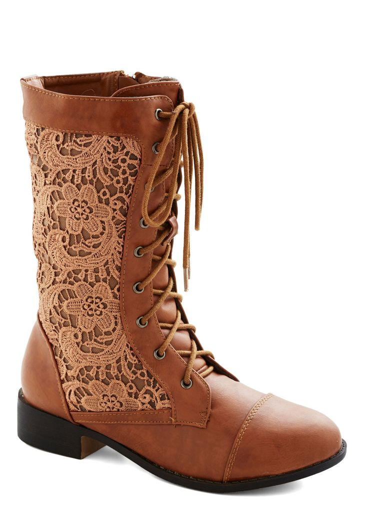 Lace inset cinnamon boots // fall