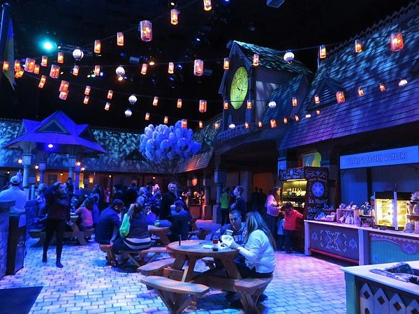 MouseInfo.com - Disneyland Pictorial: More of FROZEN FUN soft opens including Olaf's Snow Fest and Frozen Sing-Along show