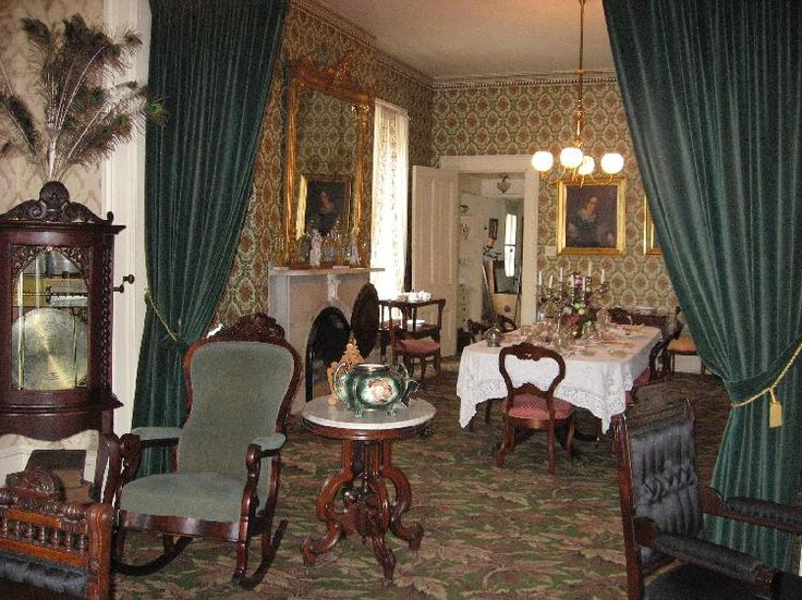 17 best ideas about victorian parlor on pinterest for Parlor or living room