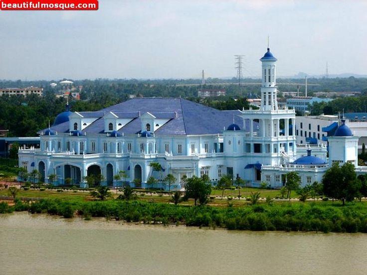 Jamek-sultan-Ibrahim-Masjid-in-Muar-Malaysia