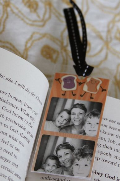 DIY photo bookmark for Grandma - Mother's Day