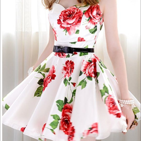 Cute Dress with Roses Perfect for prom! Material is very silky and is really comfortable. LISTED ON Ⓜ️ for 50$   This is a size Large: Measurements in CM: Length 83cm, Bust 93cm, Waistline 73cm, Shoulder 38cm. Dresses Prom