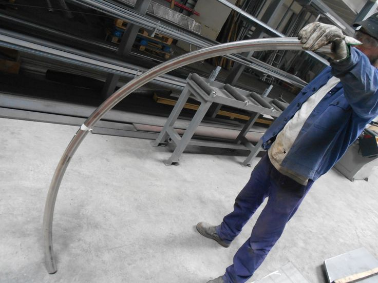 Pieza de acero inoxidable curvada. #herrería  #gipuzkoa  #hernani  #donostia