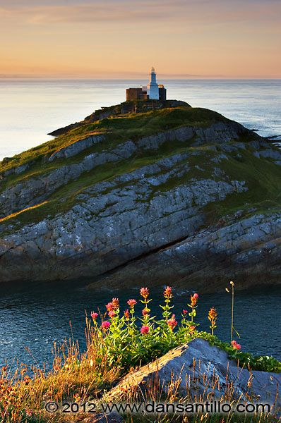 Mumbles Lighthouse, Swansea, South Wales, UK