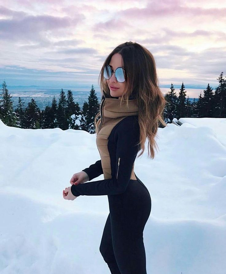 Ski suit fashion