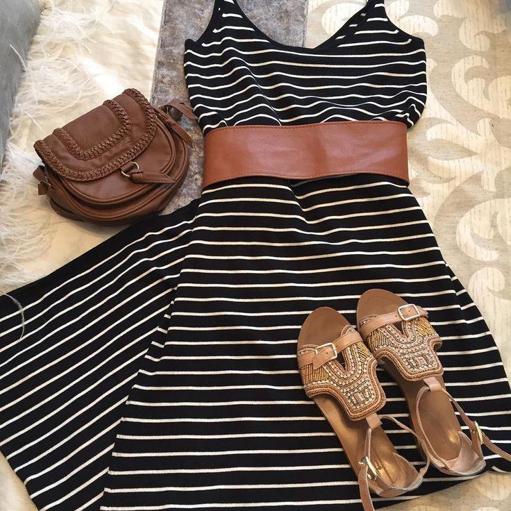No sé que me ha dado por los vestidos marineros  jaja. #look cómodo que tengo que ir a hacer unas compritas y esta noche fiesta!!!!  Feliz sábado mis princesas!!!!!!!  #ootd #outfit #outfitoftheday #look #lookdeldía #lookoftheday #style #streetstyle #moda #inspiration