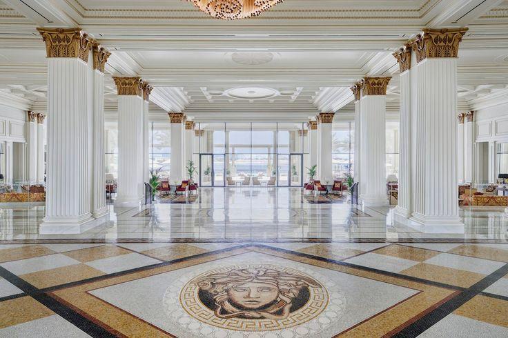 ヴェルサーチワールドを堪能できる究極のラグジュアリーホテルセレブ所有のホテル特集