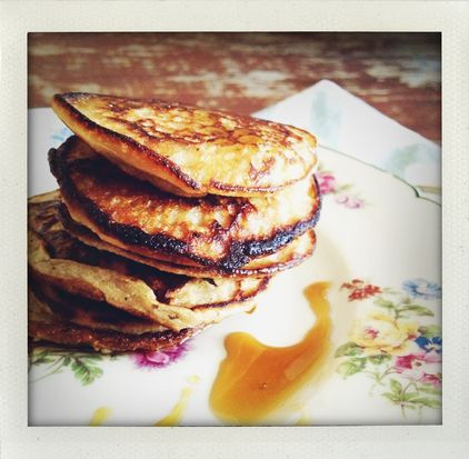 Gluten-Free Banana Flapjacks    I wonder how gluten-free foods taste like... This looks delicious on the other  hand..