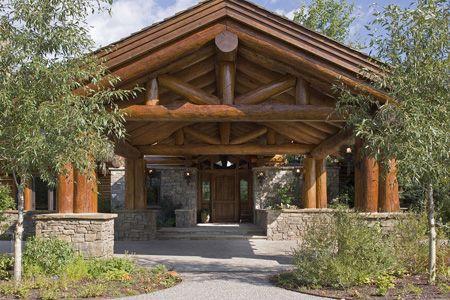 10 best post and beam images on pinterest log houses for Porte cochere vs carport