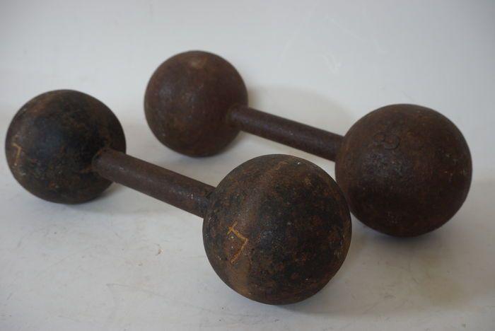 Online veilinghuis Catawiki: Antieke gietijzer dumbbells / gewichten - gewichtheffen