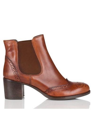les 25 meilleures id es de la cat gorie bottes marron sur pinterest bottes en cuir marron. Black Bedroom Furniture Sets. Home Design Ideas