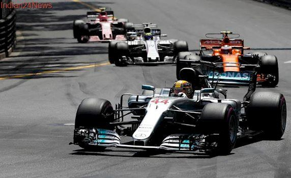 Lewis Hamilton has Sebastian Vettel in crosshairs at Canada Grand Prix