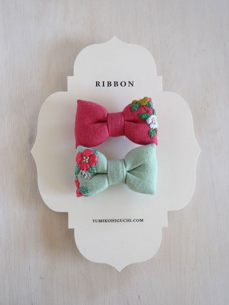 Flower Ribbon Brooch / embroidery