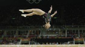 La gymnaste Ellie Black a continué de réécrire l'histoire de la gymnastique…