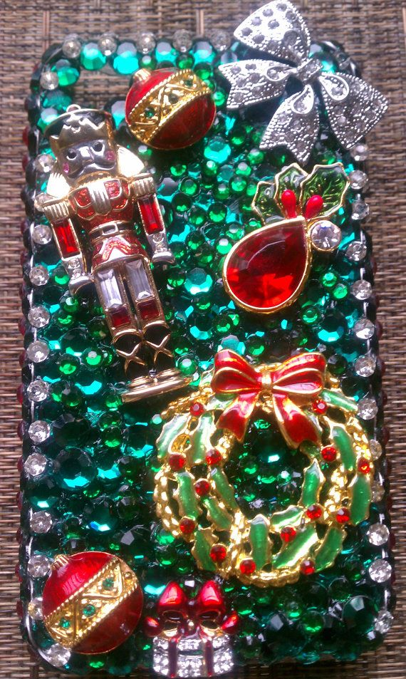 AAAAhahaha   If it wasn't so expensive, I'd be all over this.  Christmas Iphone case, BEAUT!