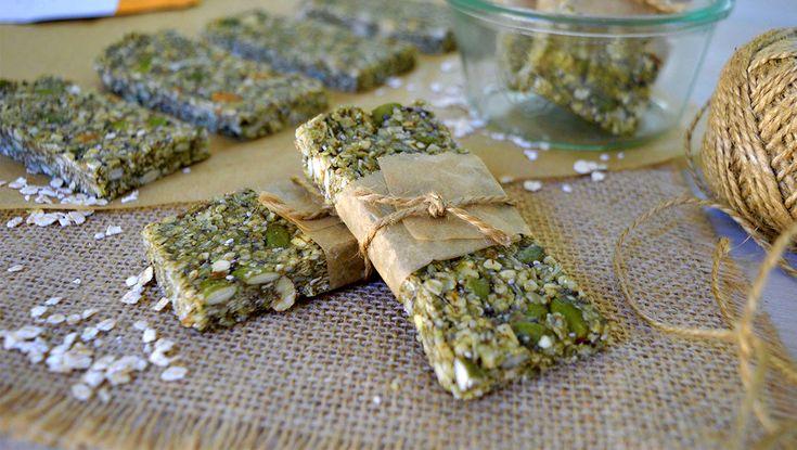 Vegan Muesli Slice Recipe   #veganmuesli #veganbreakfast #vegangranola #vegan #veganrecipe #veganfood #veganfoodshare #recipeshare #veganblog #sproutmarket #plantbasedcooking