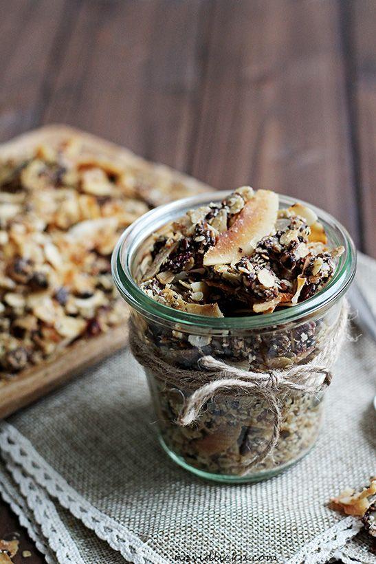 Chocolate Coconut Granola / Čokoládovo-kokosová granola | Na vidličku food blog