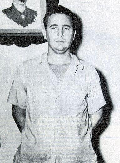 """Después de ser detenido tras el fallido ataque contra el cuartel Moncada el 26 de julio de 1953, Fidel fue pocesado y condenado a prisión. Durante el juicio pronunció su célebre frase """"Condenadme, no importa, la historia me absolverá"""", con la que terminaba su alegato de autodefensa."""