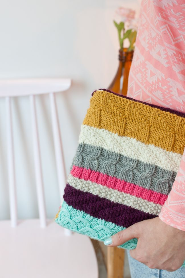 It's a beautiful knitted laptop case from nohomewithoutyou