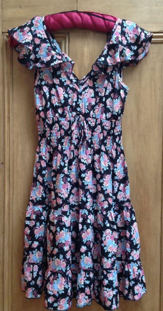 Papaya frilly bloemrijke zwarte jurk maat 10 niet ijzer