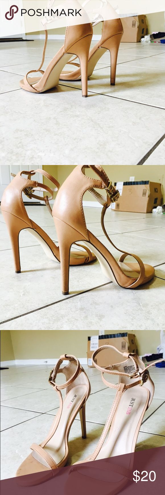 Nude dress heel. Very pretty. Perfect match for most outfits. Selling cos not my size. Worn a couple times JustFab Shoes Heels