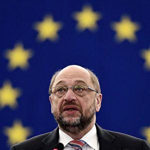 """Gegen den SPD-Kanzlerkandidaten Martin Schulz sind neue Vorwürfe der Begünstigung von Mitarbeitern laut geworden. Der """"Spiegel"""" berichtete am Freitag, dass sich Schulz als Präsident des EU-Parlaments persönlich dafür eingesetzt habe, …"""
